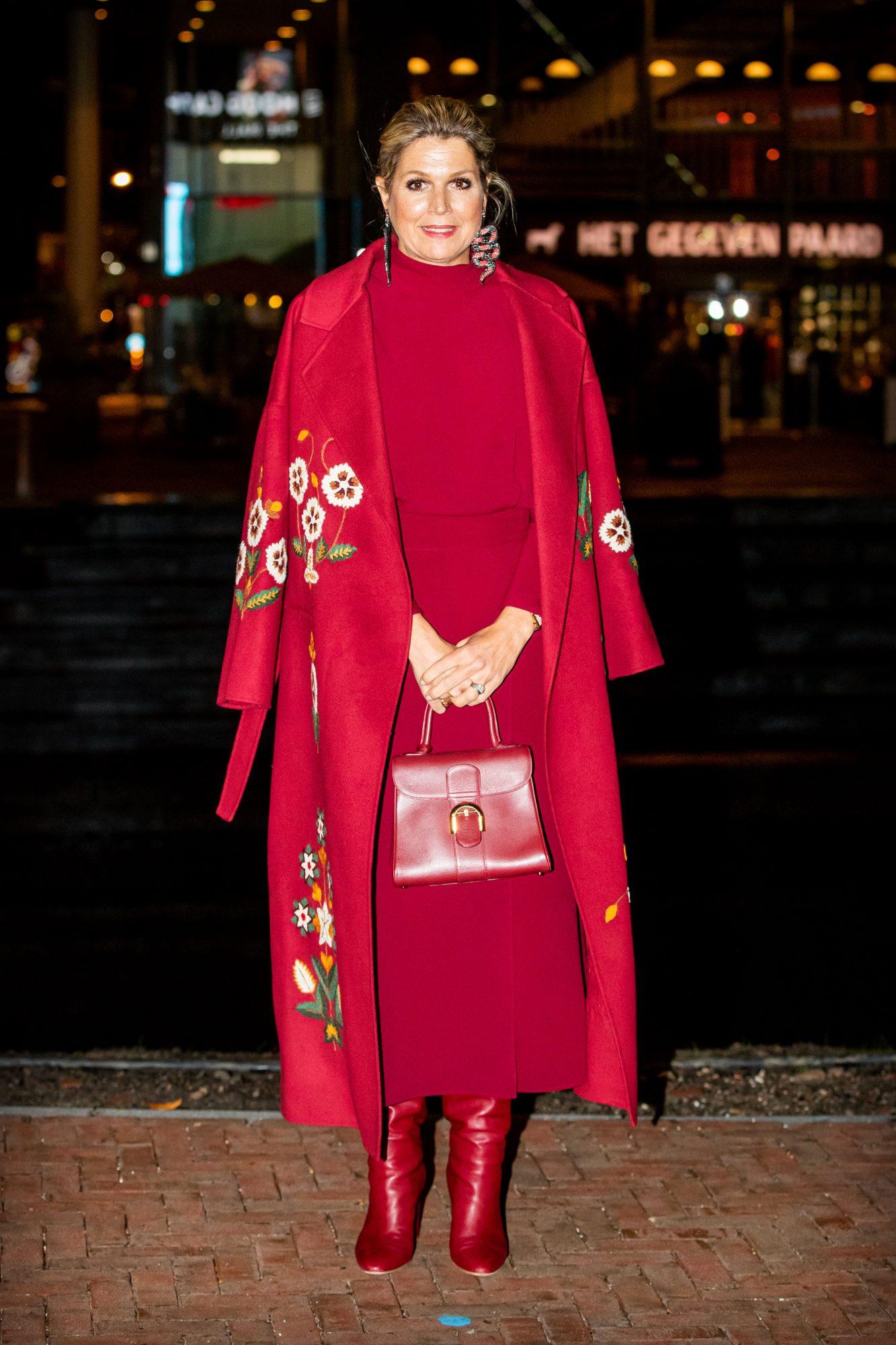 Reina Maxima de Holanda, elegante, look rojo, look monocromatico