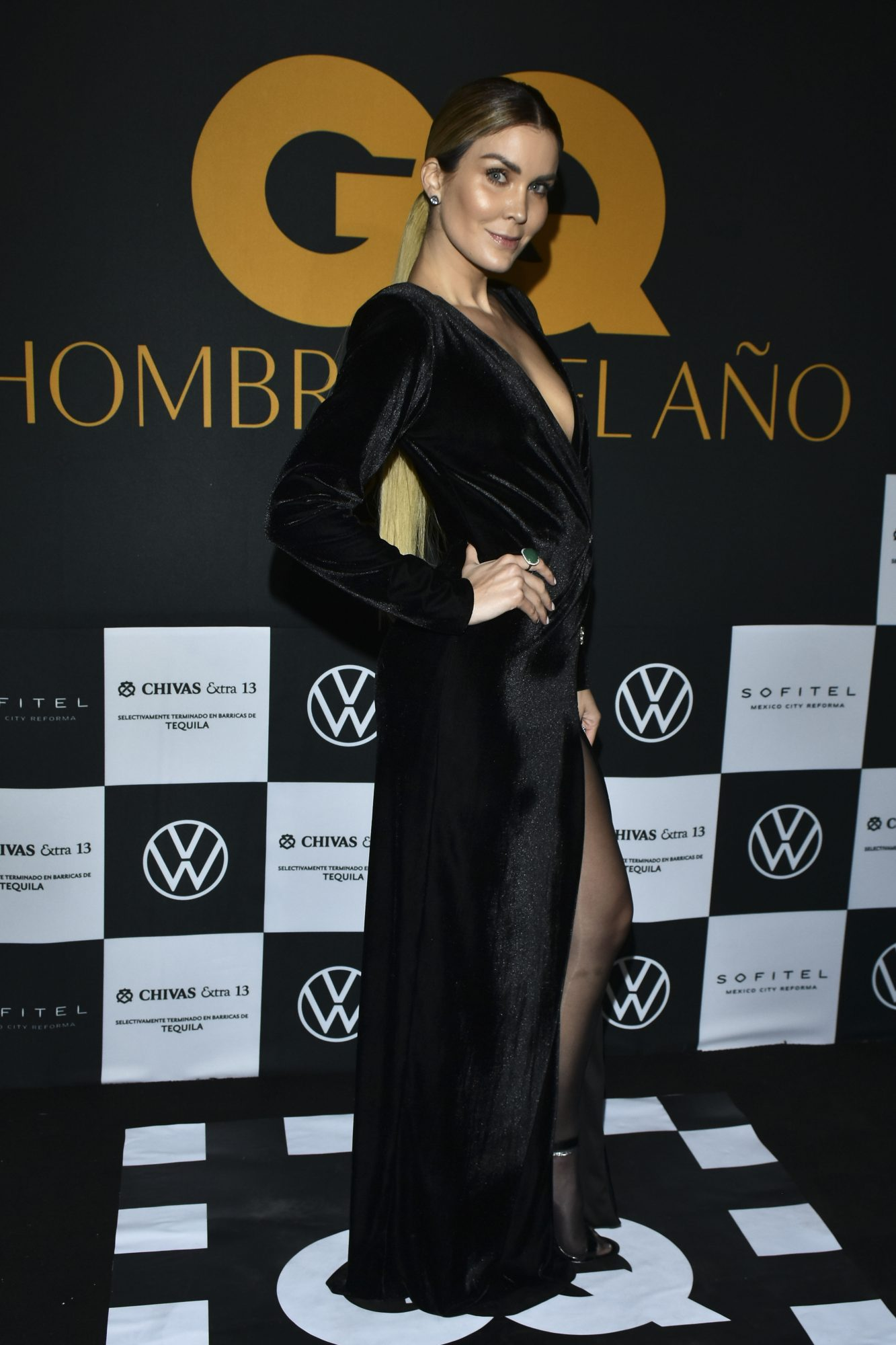 Veronica Montes, vestido negro, fashion