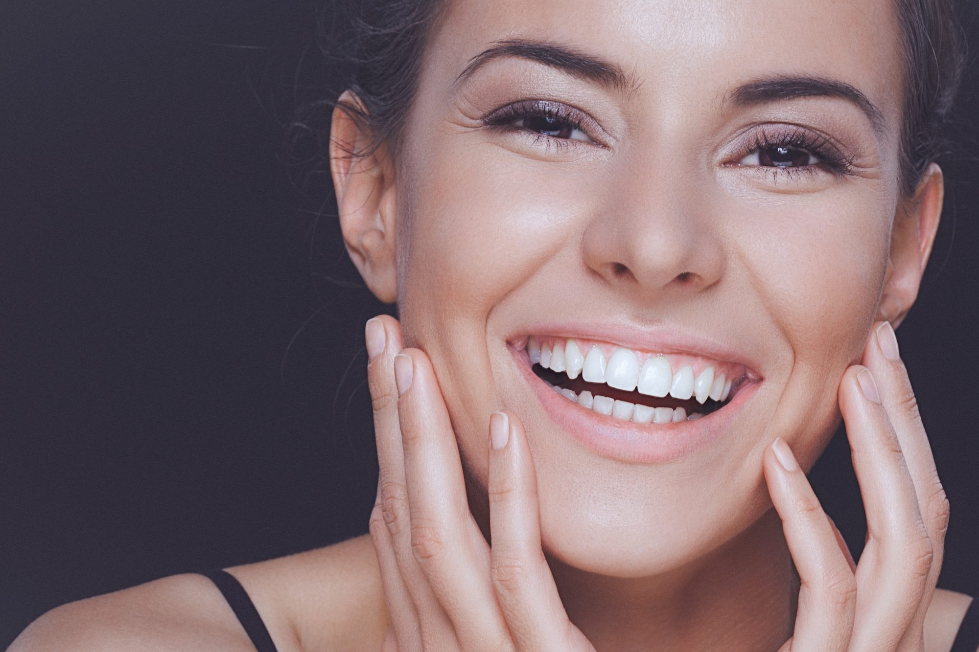 dientes blancos, blanqueador de dientes