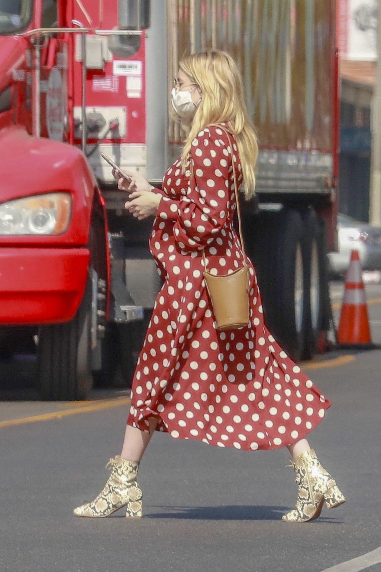 Emma Roberts, look, embarazo, otono