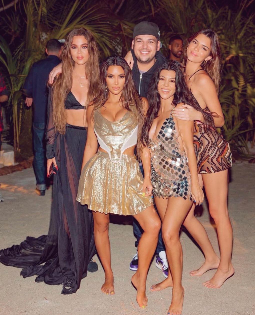 Kim Kardashian, Rob Kardashian, Khloé Kardashian, Kendall Jenner, Kylie Jenner, Kourtney Kardashian