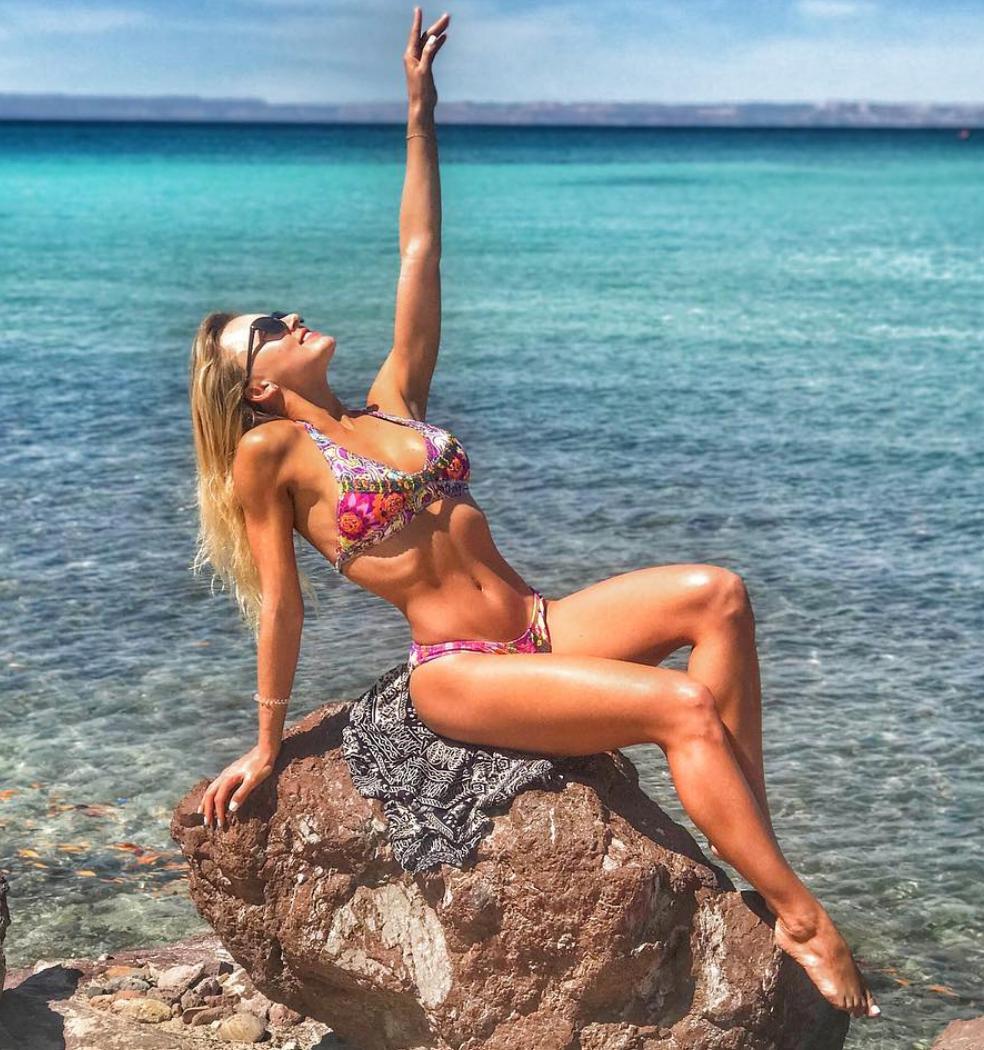Angelique Boyer, sexy en bikini,
