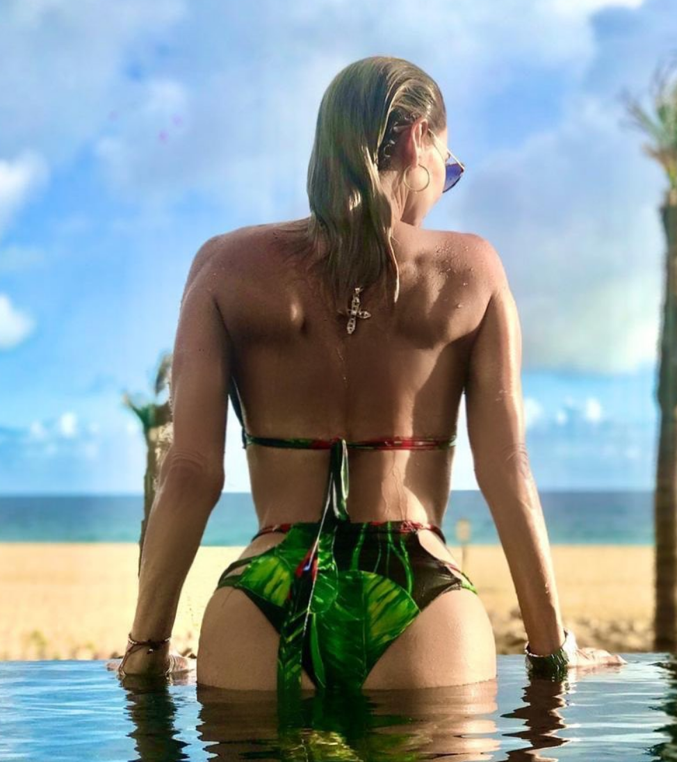Aylin Mujica, sexy, traje de bano, bikini