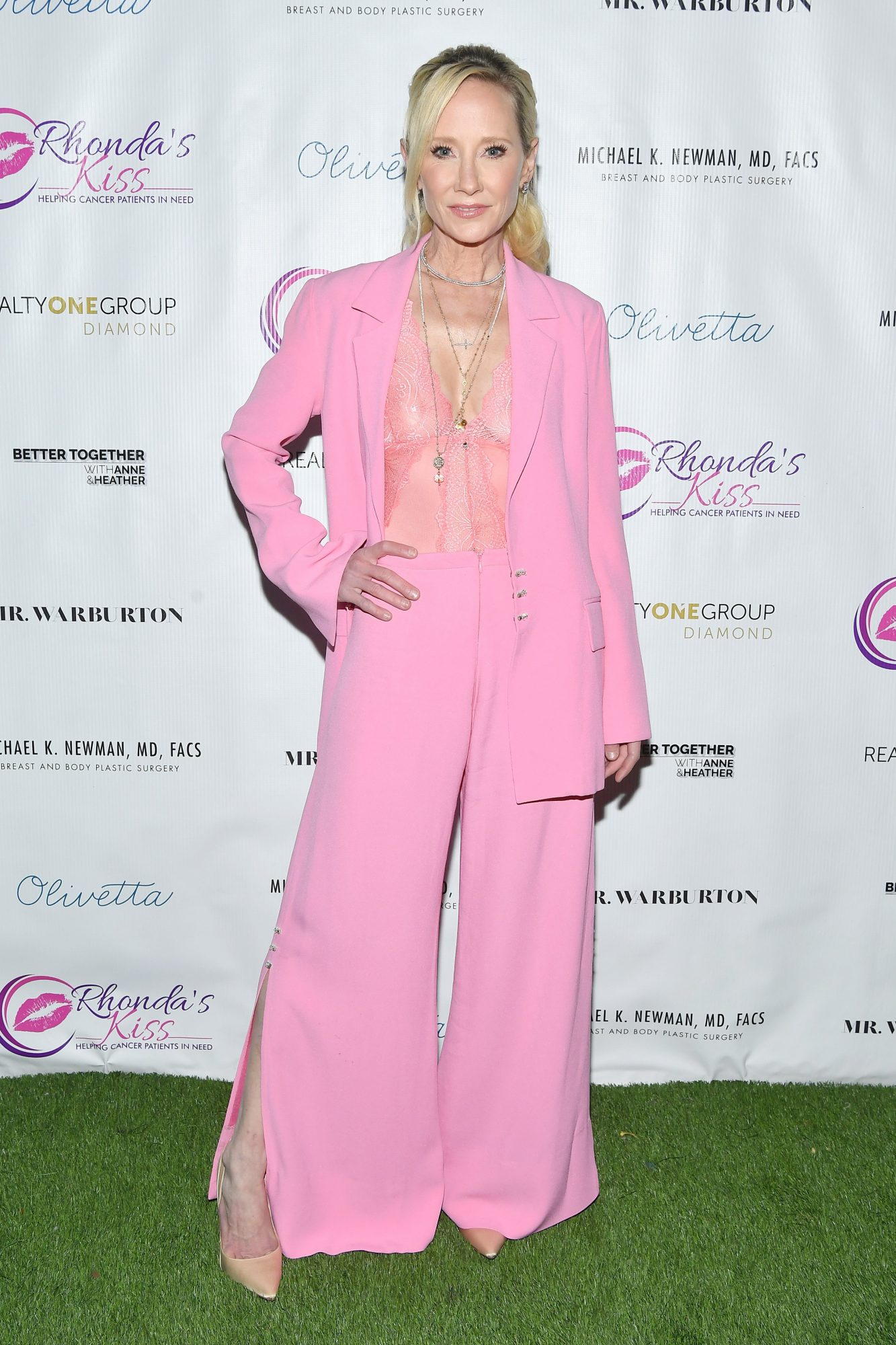 Anne Heche, look