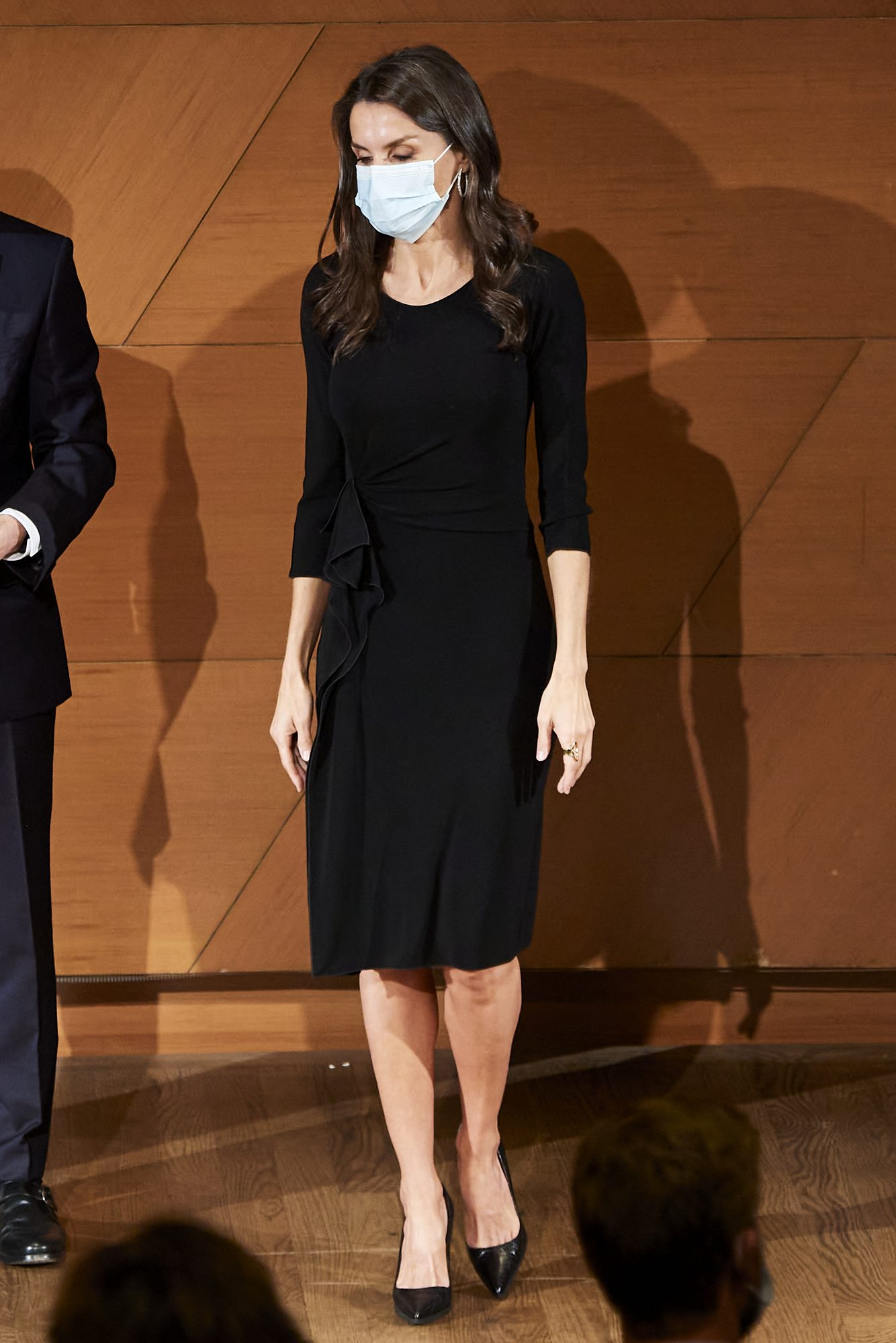 Reina Letizia, look, sexy, clasico vestido negro