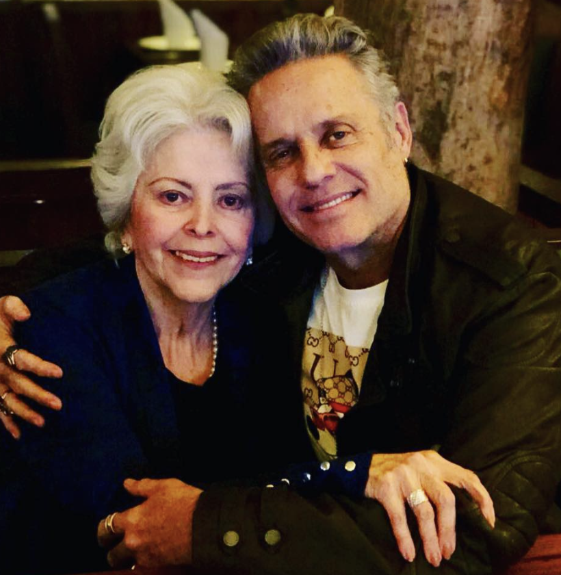 Alexis Ayala y su madre Eli
