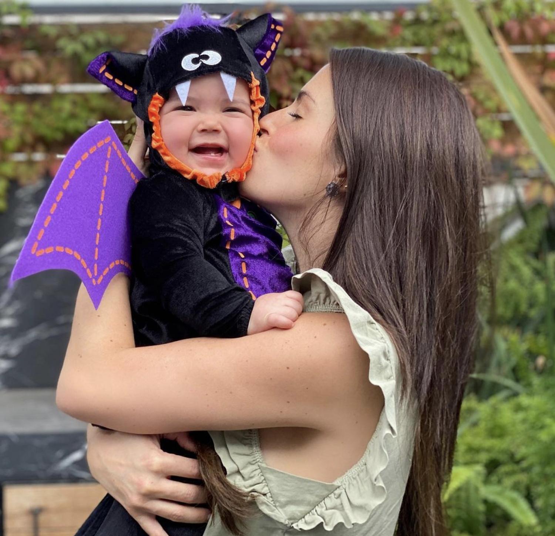 Claudia Álvarez y su hija