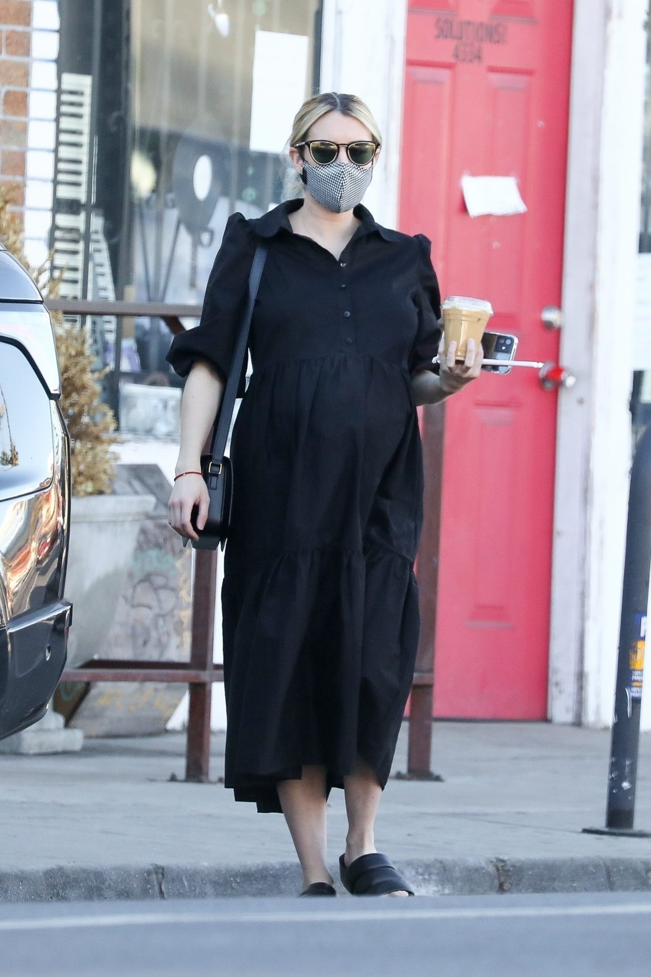 Emma Roberts, look, embarazo