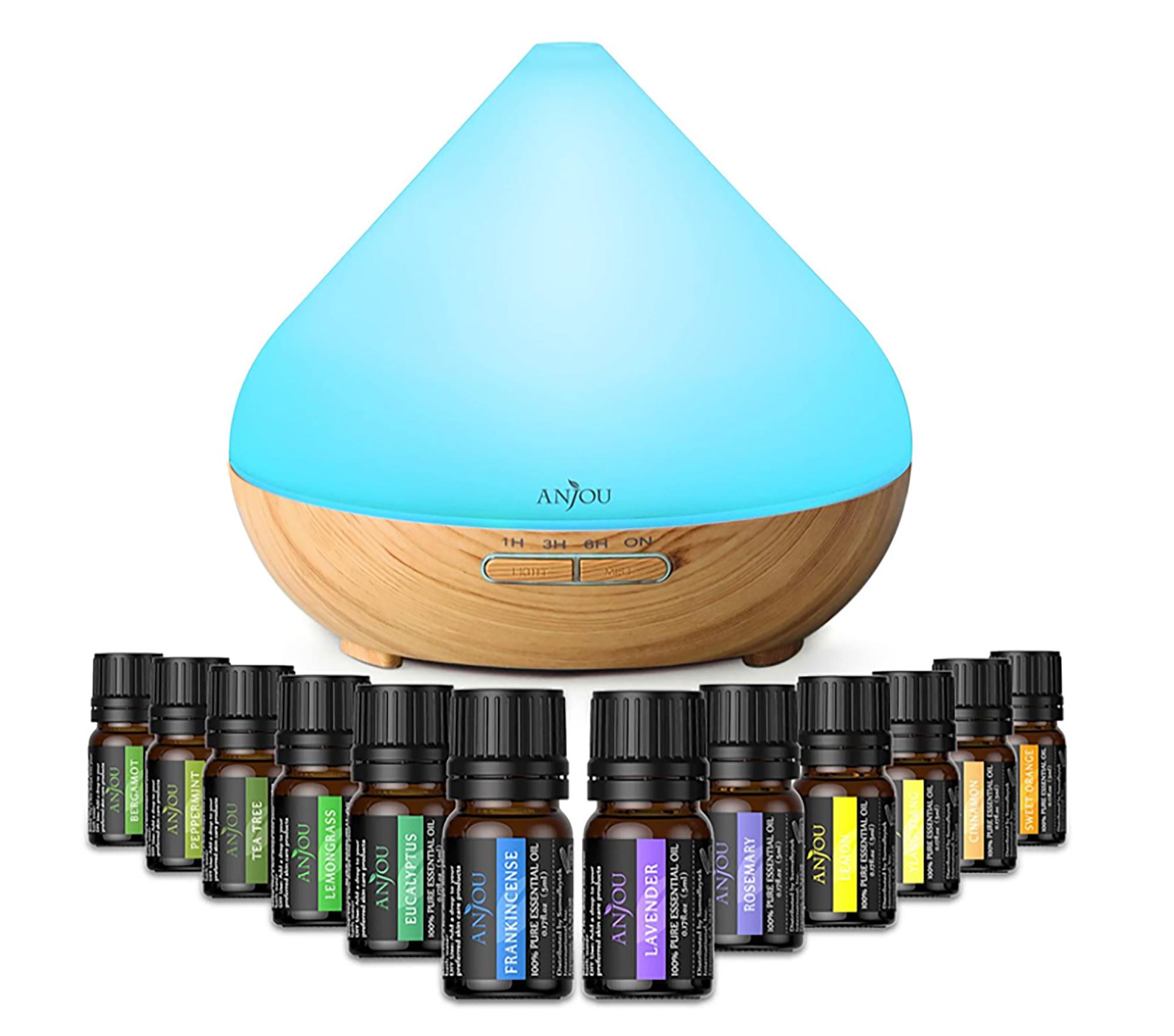 La aromaterapia se ha transformado en una práctica de medicina alternativa muy popular durante los últimos años. Con este difusor de aceites esenciales se le puede dar al hogar aromas como el de lavanda, eucalipto, limoncillo, menta o limón, entre algunas de las 12 fragancias que vienen incluidas.