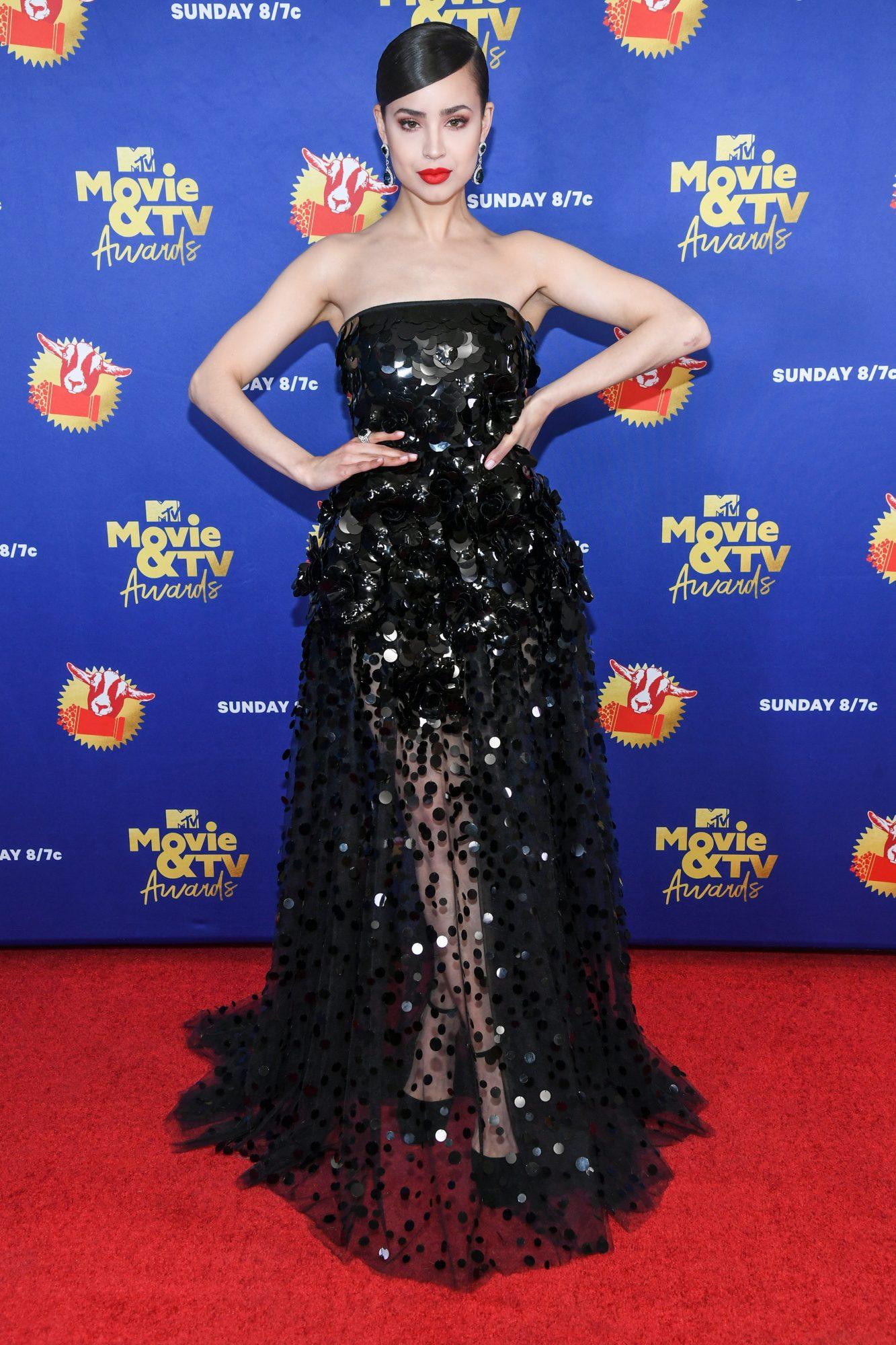 Sofia Carson, look, MTV movie awards