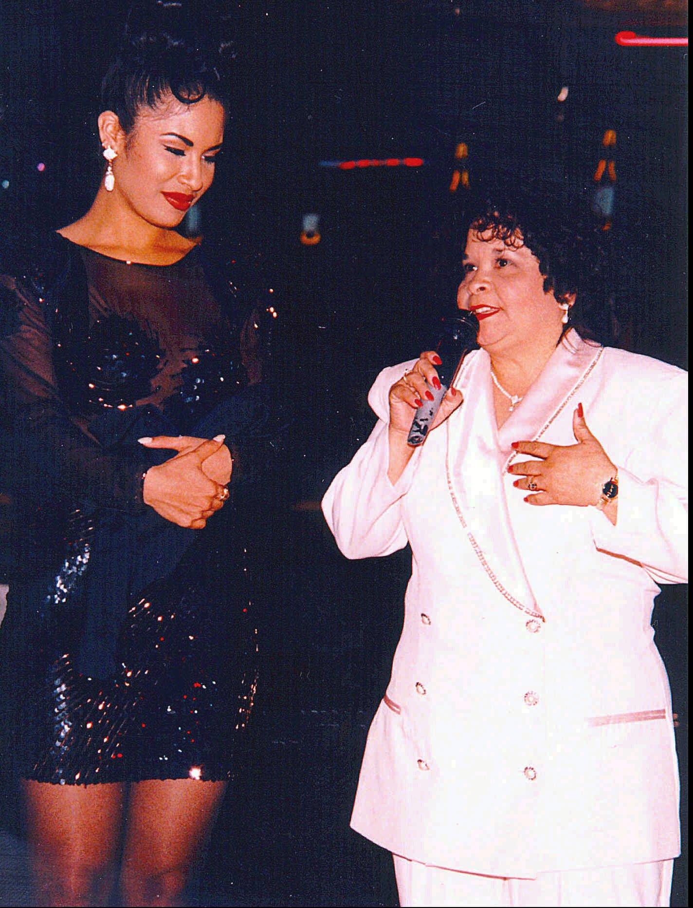 Selena y Yolanda Saldivar