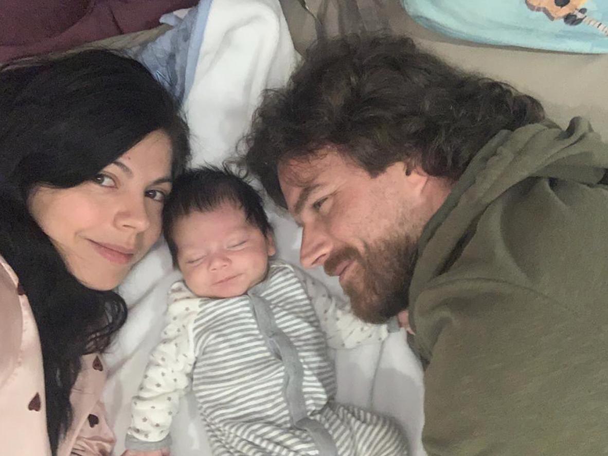 Africa Zavala, León Peraza Napolitano y su bebe