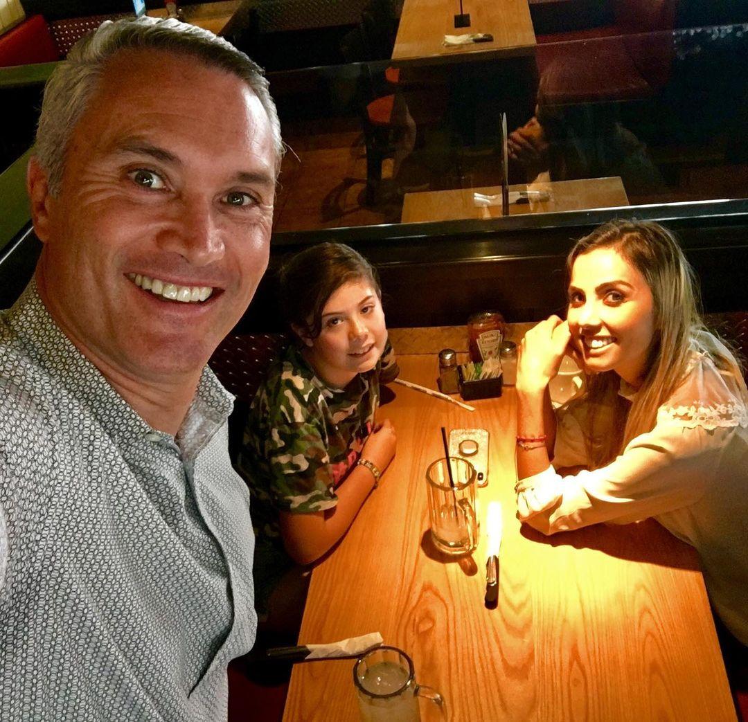 Edgardo del Villar con su familia