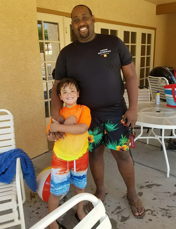 Phillip Foye y su hijo Sebastian