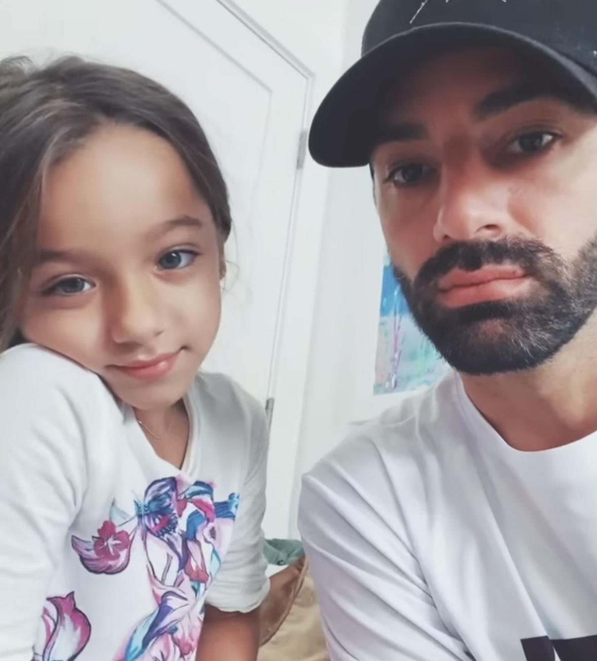 Toni Costa y su hija Alaia