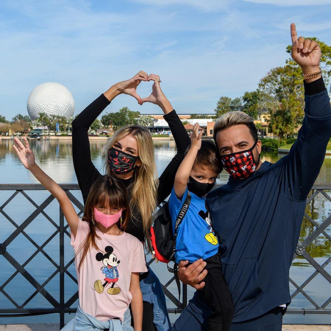 Luis Fonsi y su esposa, Águeda López, celebraron los cumpleaños de sus hijos Rocco y Mikaela