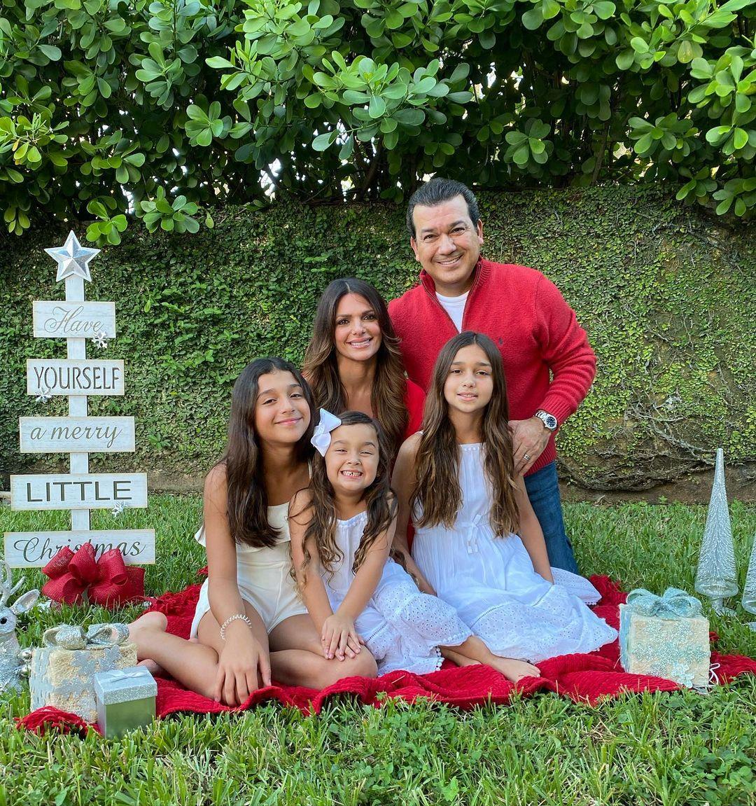 Mario Andres Moreno con su familia