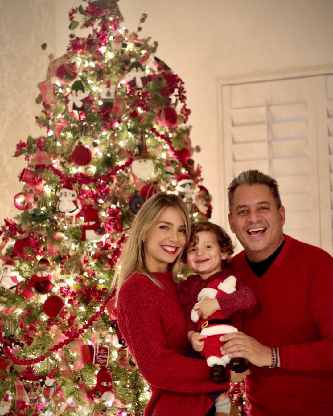 Alessandra Villegas con familia