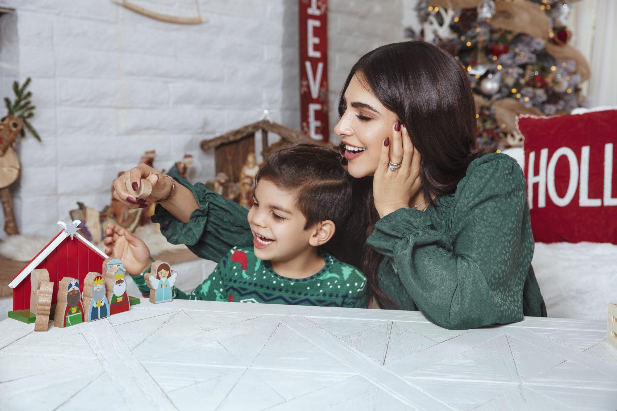 Alejandra Espinoza y su hijo Matteo