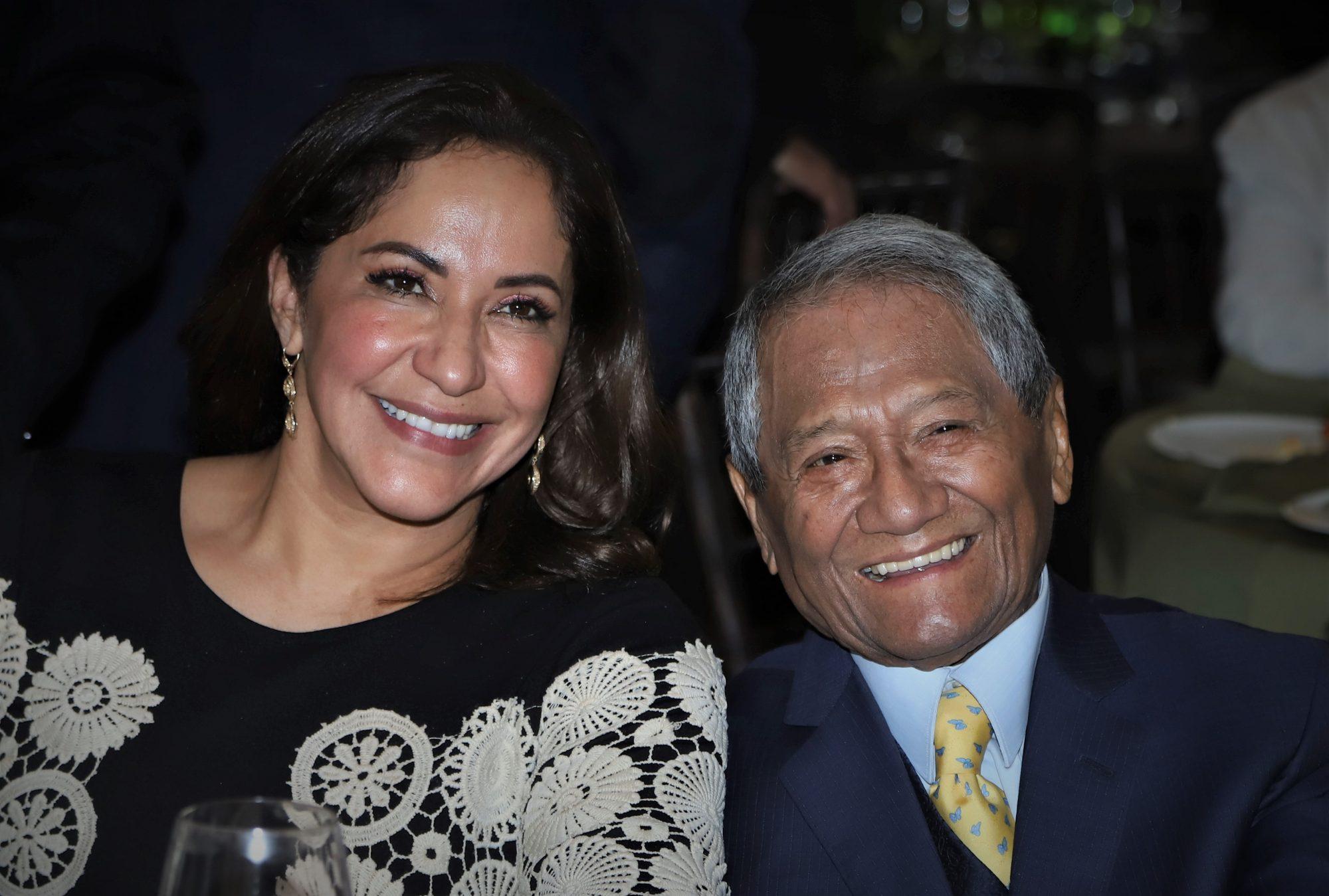Armando Manzanero y Laura Elena Villa