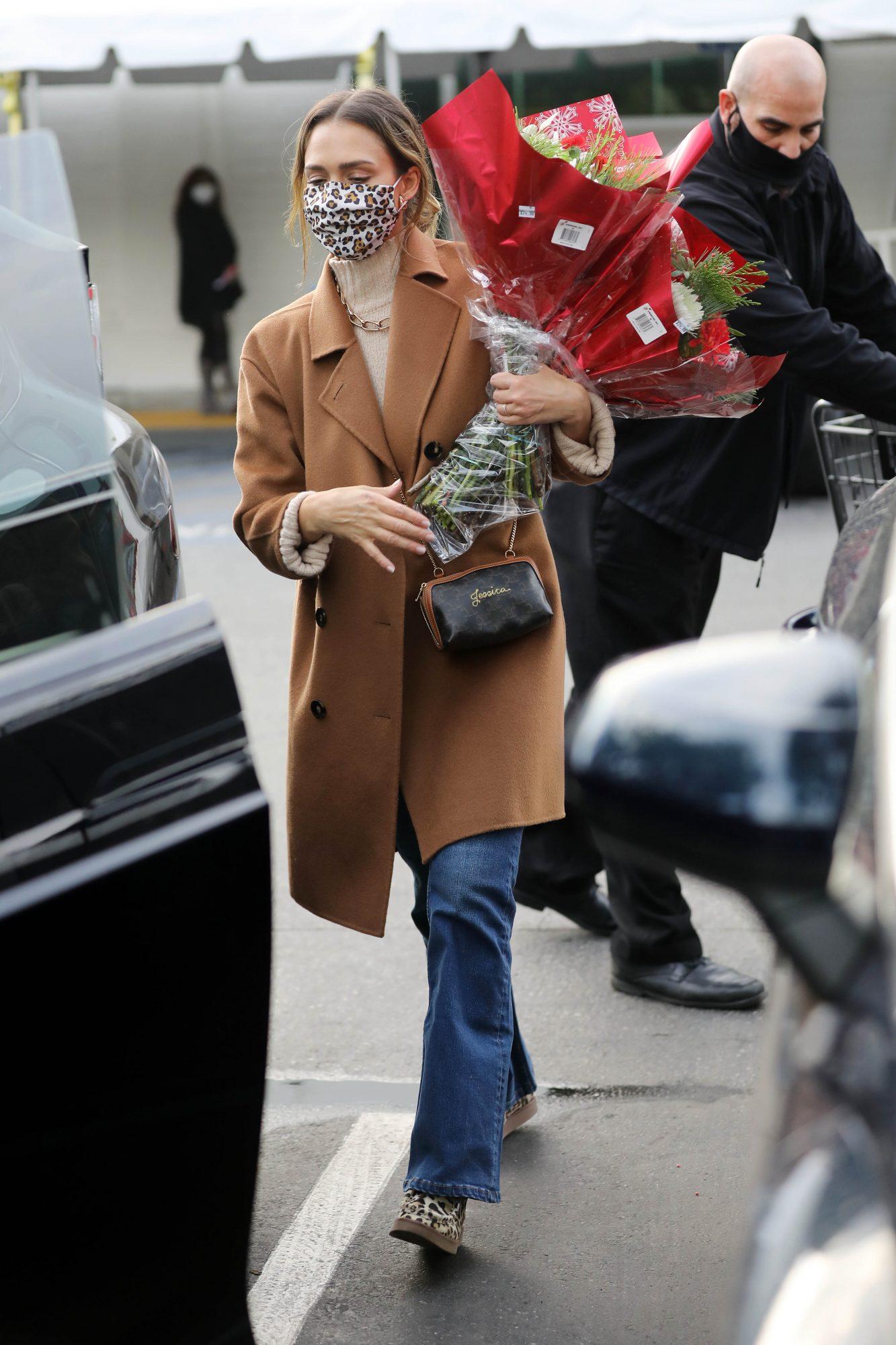 Jessica Alba look del día