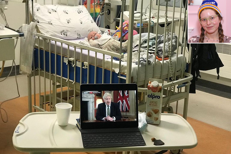 Jessie Cave y su hijo en el hospital covid-19