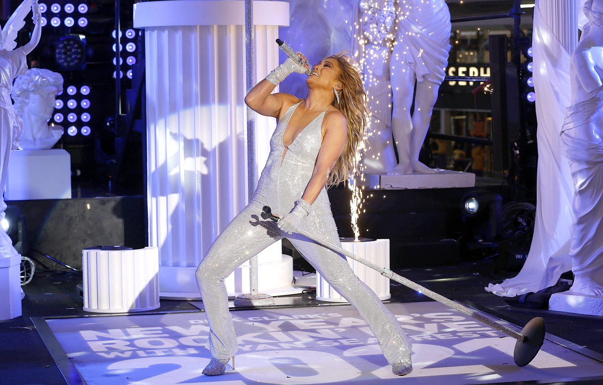 Jennifer Lopez actuacion Times Square nochevieja 2020