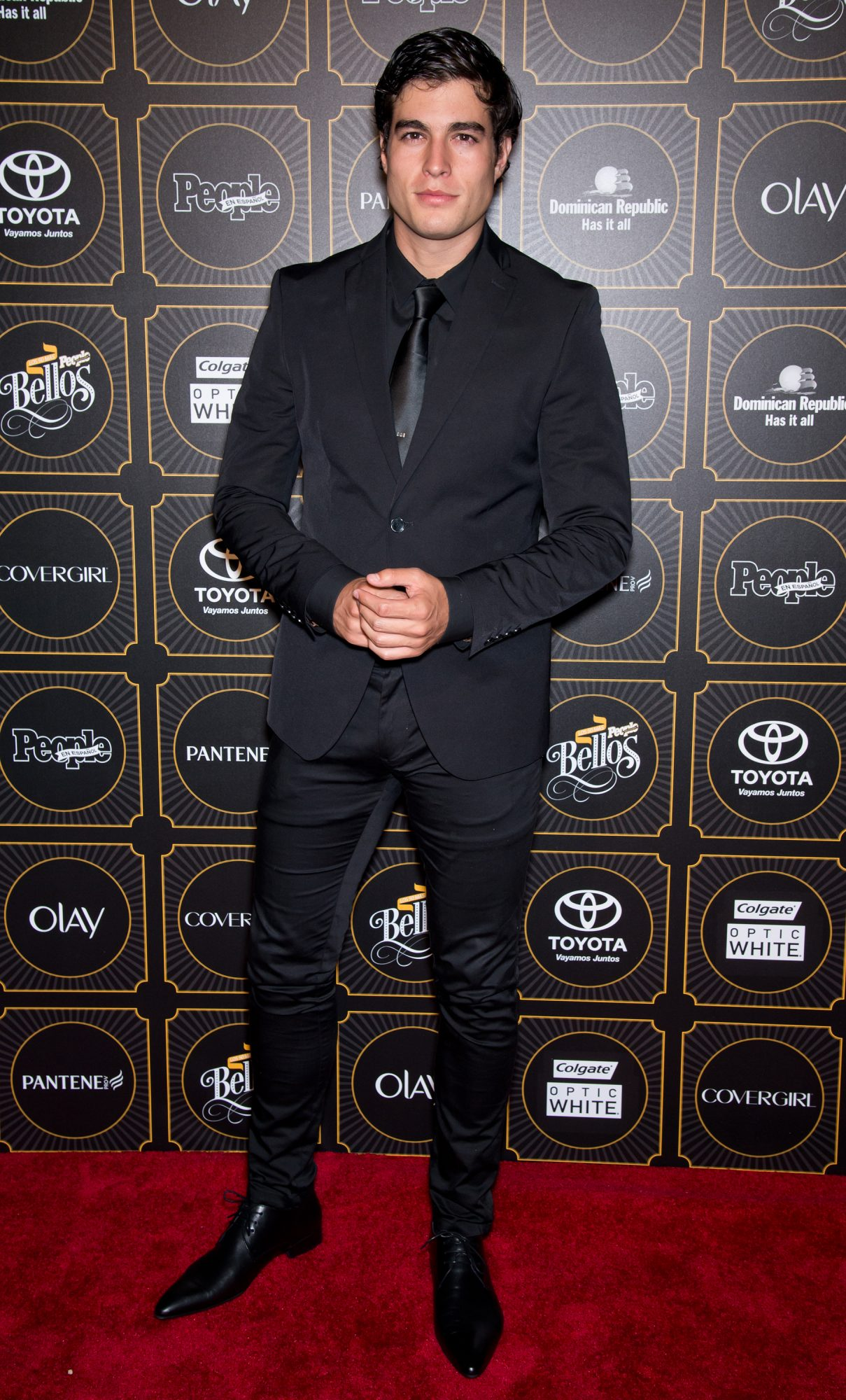 Danilo Carrera - Digital Cover - Fashion looks