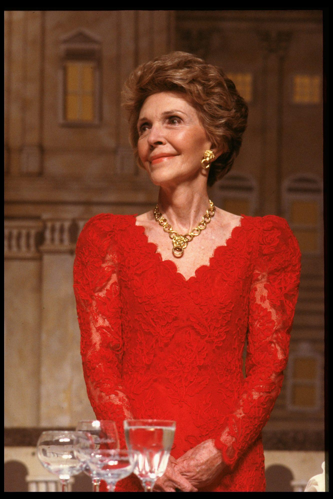 Nancy Reagan vestido Oscar de la Renta