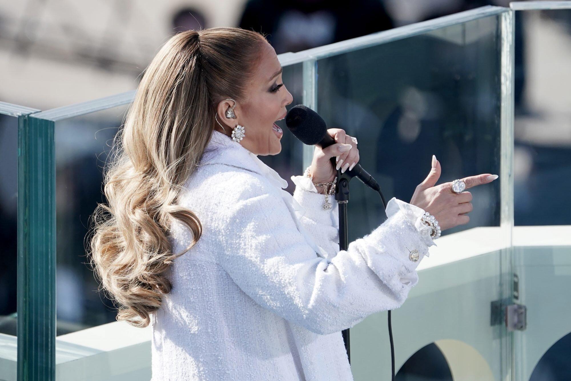 Jennifer Lopez look investidura