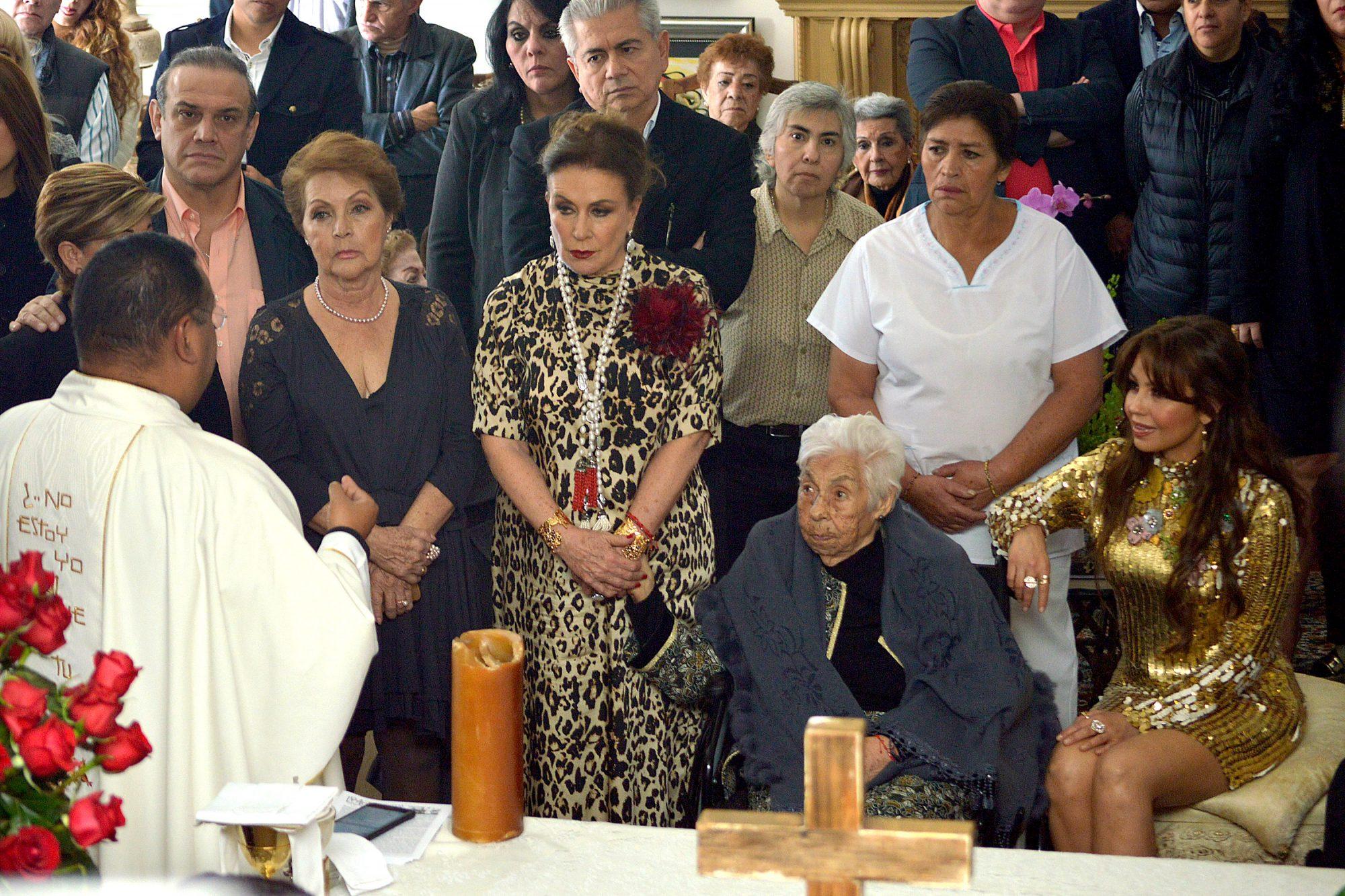 Laura Zapata, Eva Mange y Thalia
