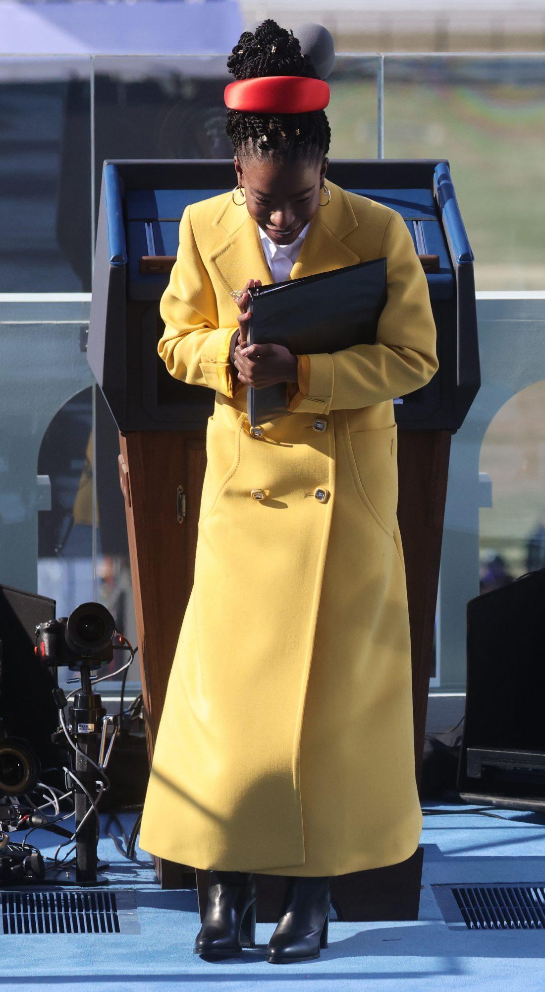 Amanda gorman, moda, estilo, modelo, poeta