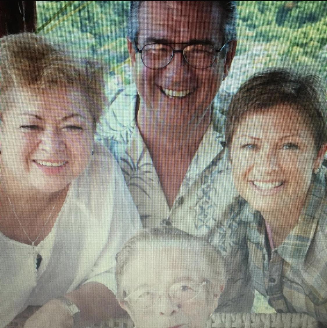 Leticia Calderon y familia; papá murio