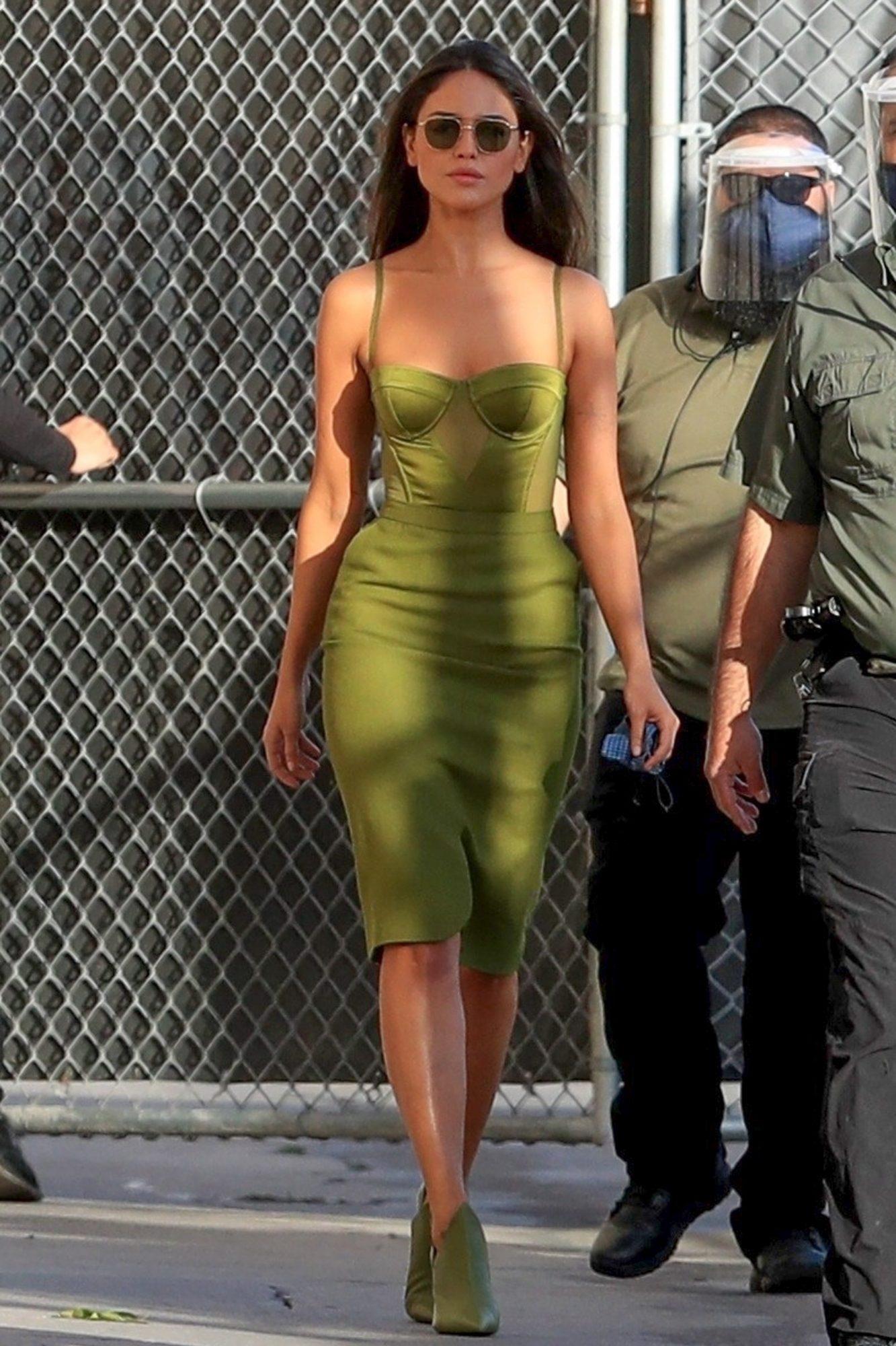 Eiza Gonzalez, look del dia, sexy vestido verde, jimmy kimmel show
