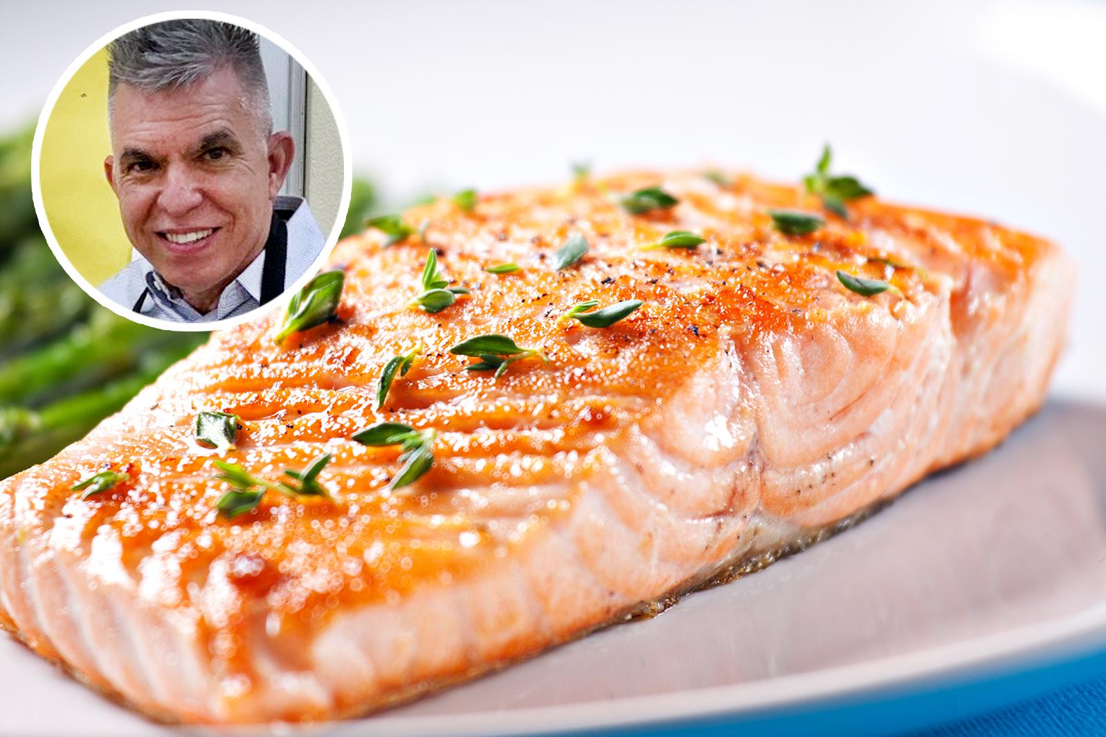 ¡De la clase a la mesa! La receta de salmón con sabor al Caribe de un maestro convertido en chef