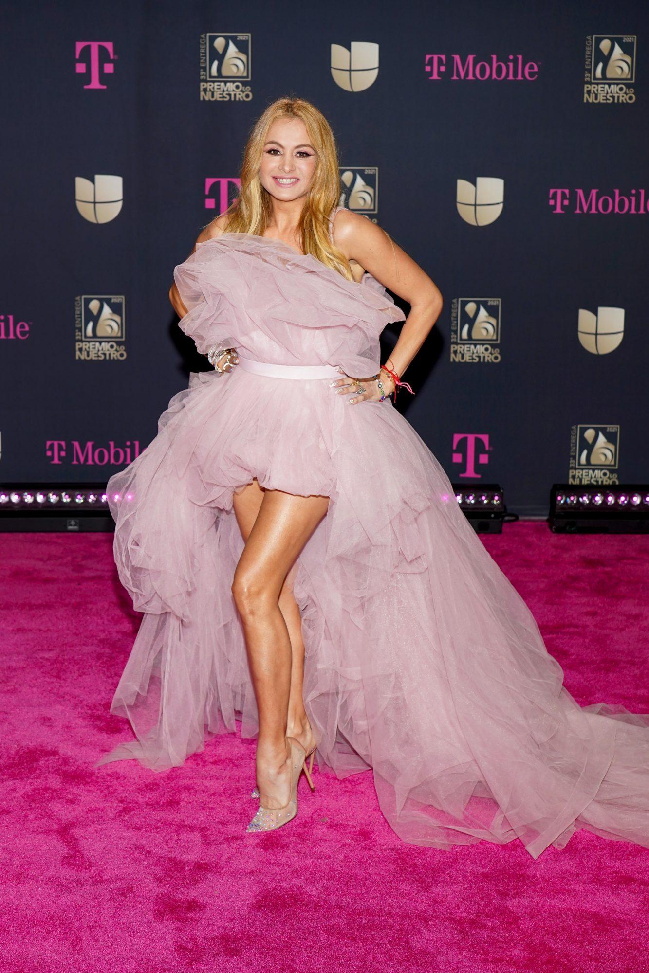 Paulina Rubio, vestido, premio lo nuestro 2021