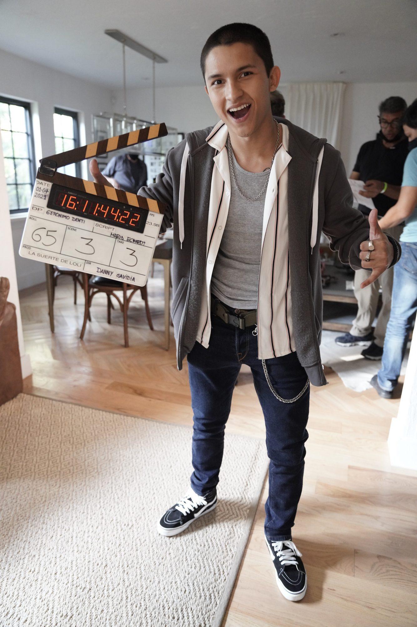 """ANDRÉS COTRINO quien luego de más de siete producciones se estrena en su primer rol como adulto, dando vida a """"Gabriel"""" el protagonista juvenil de """"La Suerte de Loli"""" que va de Lun-Vie 9Pm por Telemundo."""