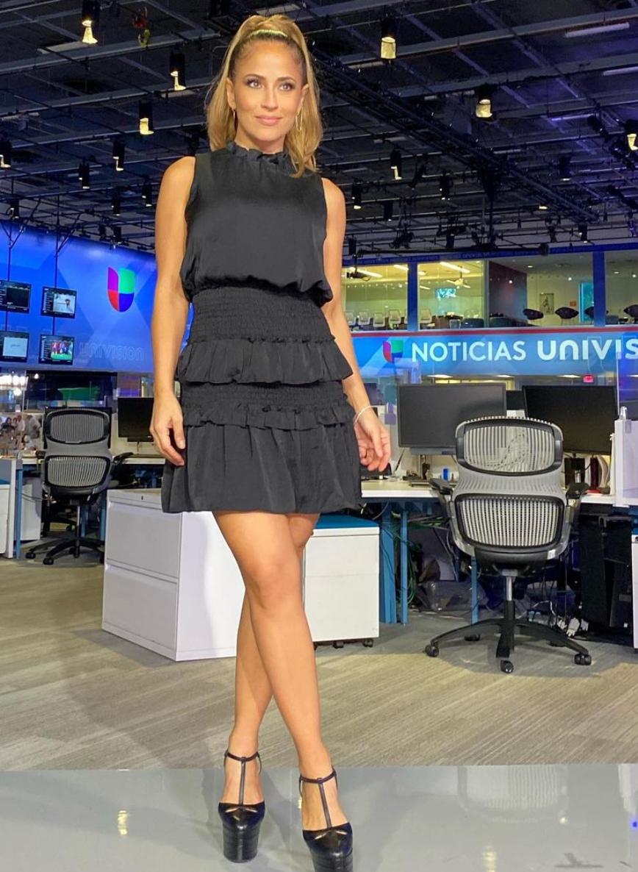 Jackie Guerrido, look del dia, vestido negro, primer impacto