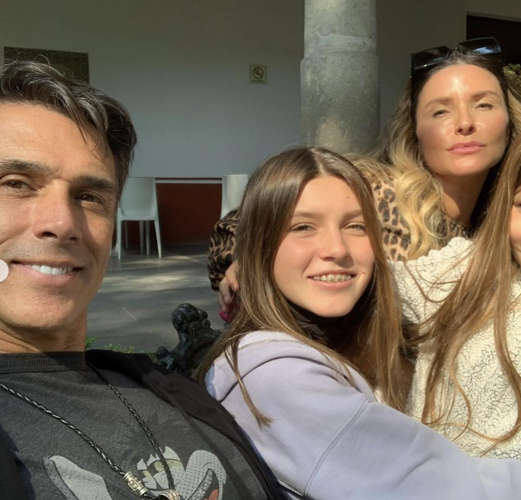Isabella Camil, Sergio Mayer y Antonia