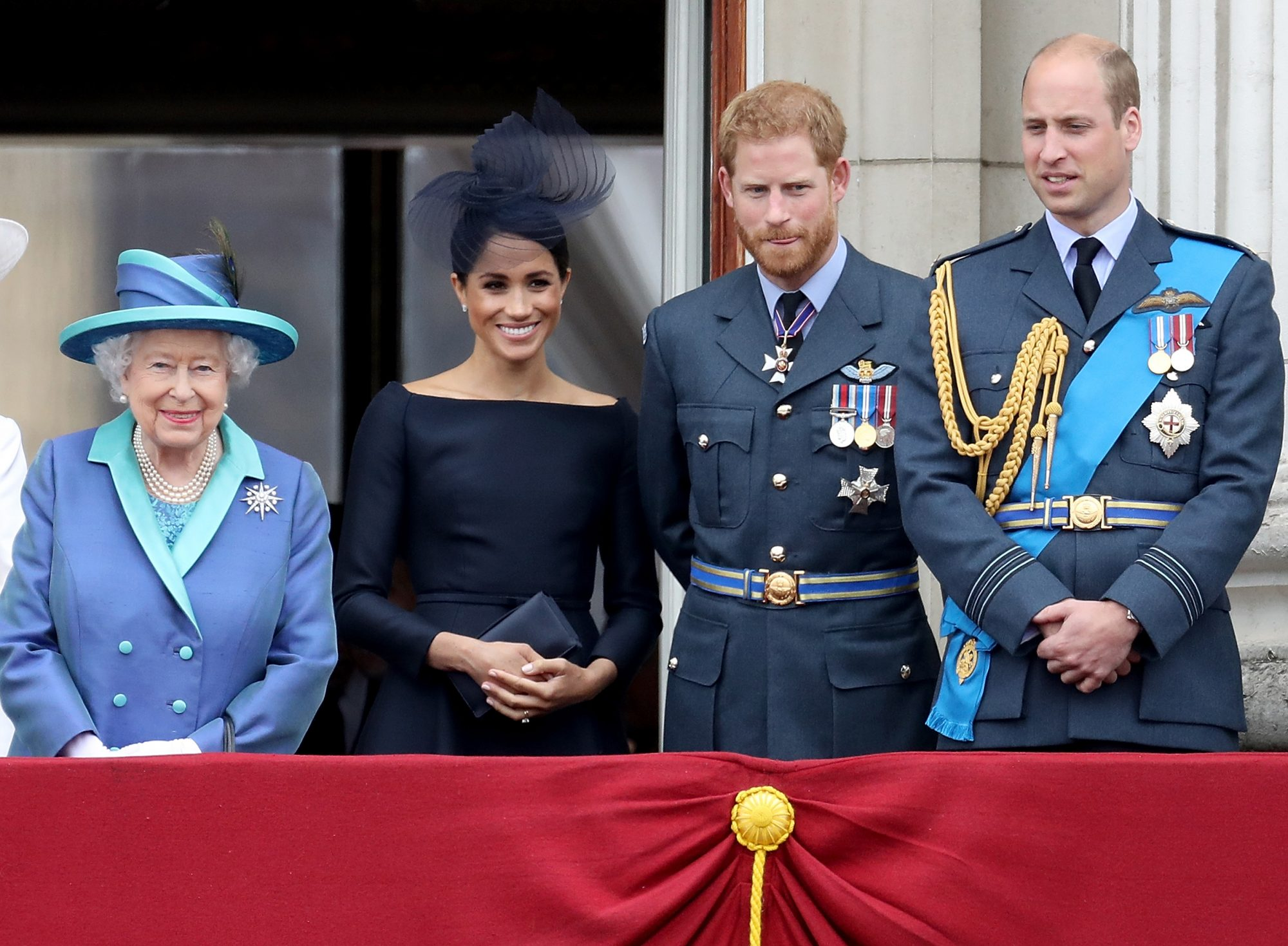 Queen Elizabeth II, Meghan Markle, Prince Harry y Prince William Members Of The Royal Family Attend Events To Mark The Centenary Of The RAF