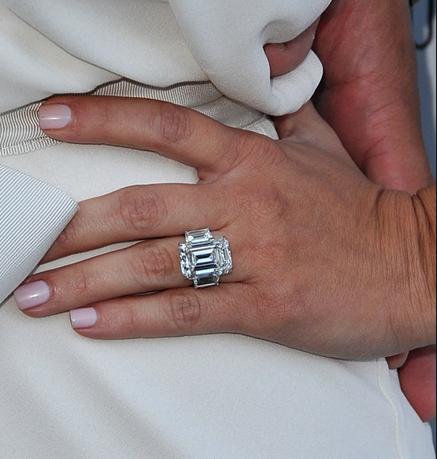 Kim Kardashian anillos de compromiso