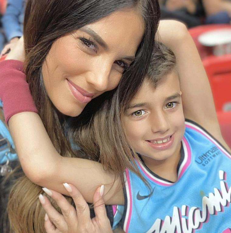 Gaby Espino y su hijo Nick