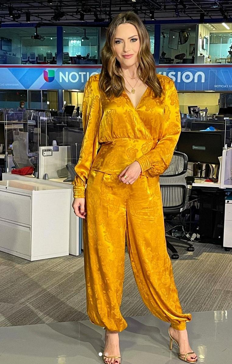 Michelle Galvan, look del dia, conjunto amarillo, primer impacto