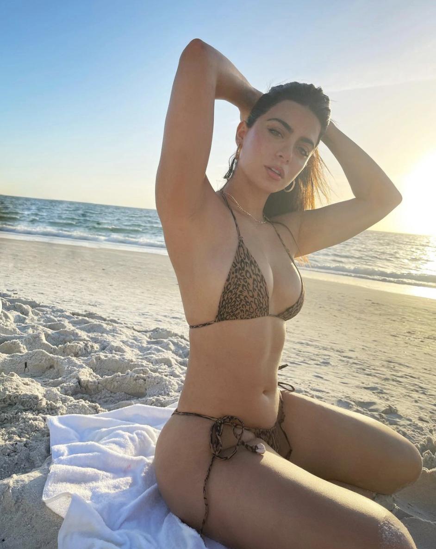 emeraude cumplenos bikini playa