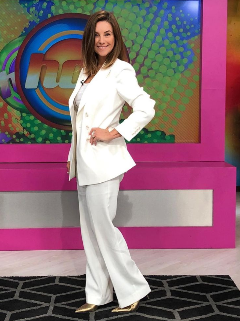 Ludwika Paleta, look del dia, programa Hoy, conjunto blanco