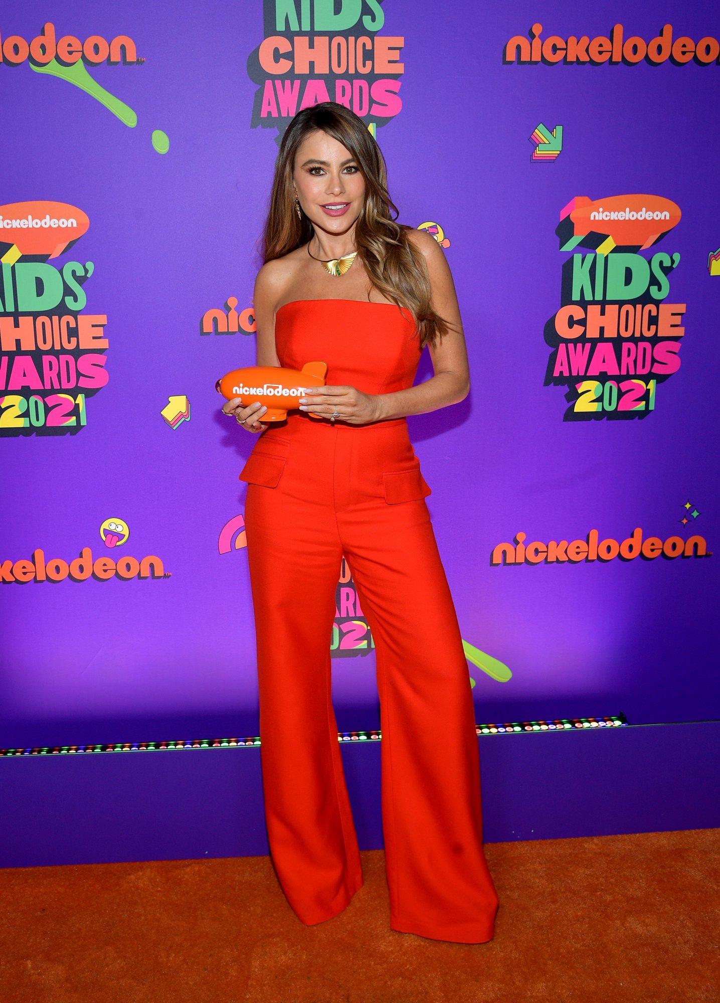 Sofia Vergara, look, jumpsuit rojo, Kids Choice Awards