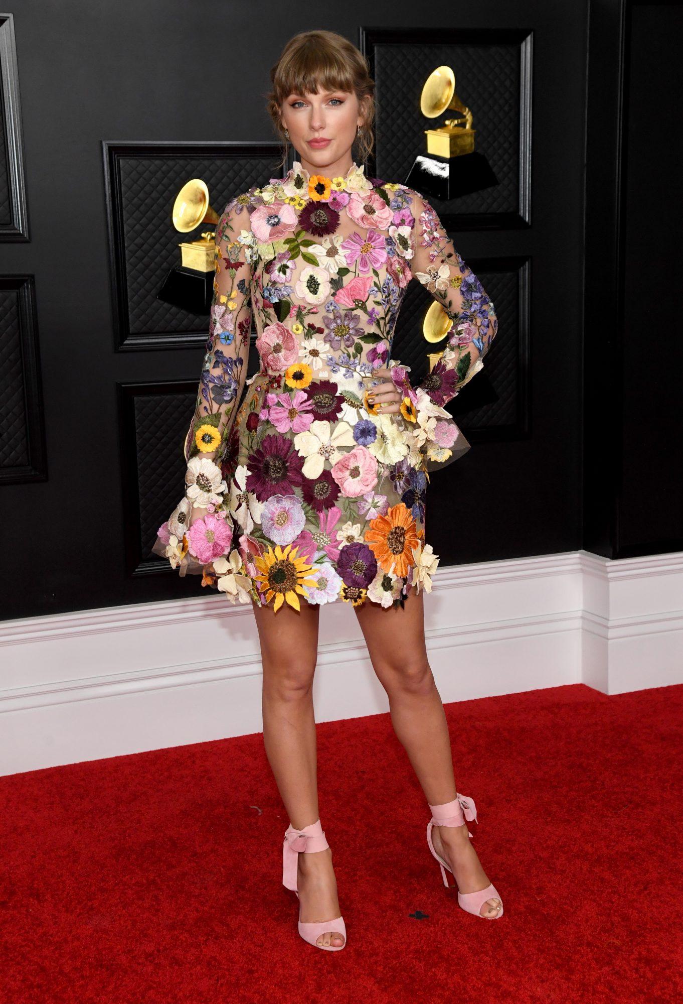 Taylor Swift, vestido, Grammys 2021, oscar de la renta