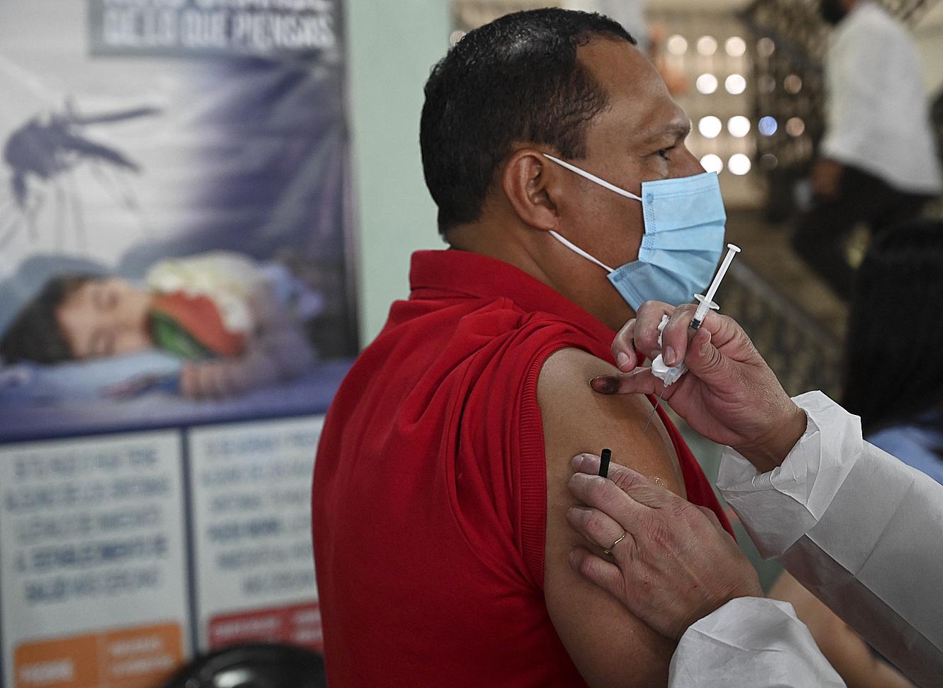 Aplicación para detectar reacciones tras vacuna COVID-19