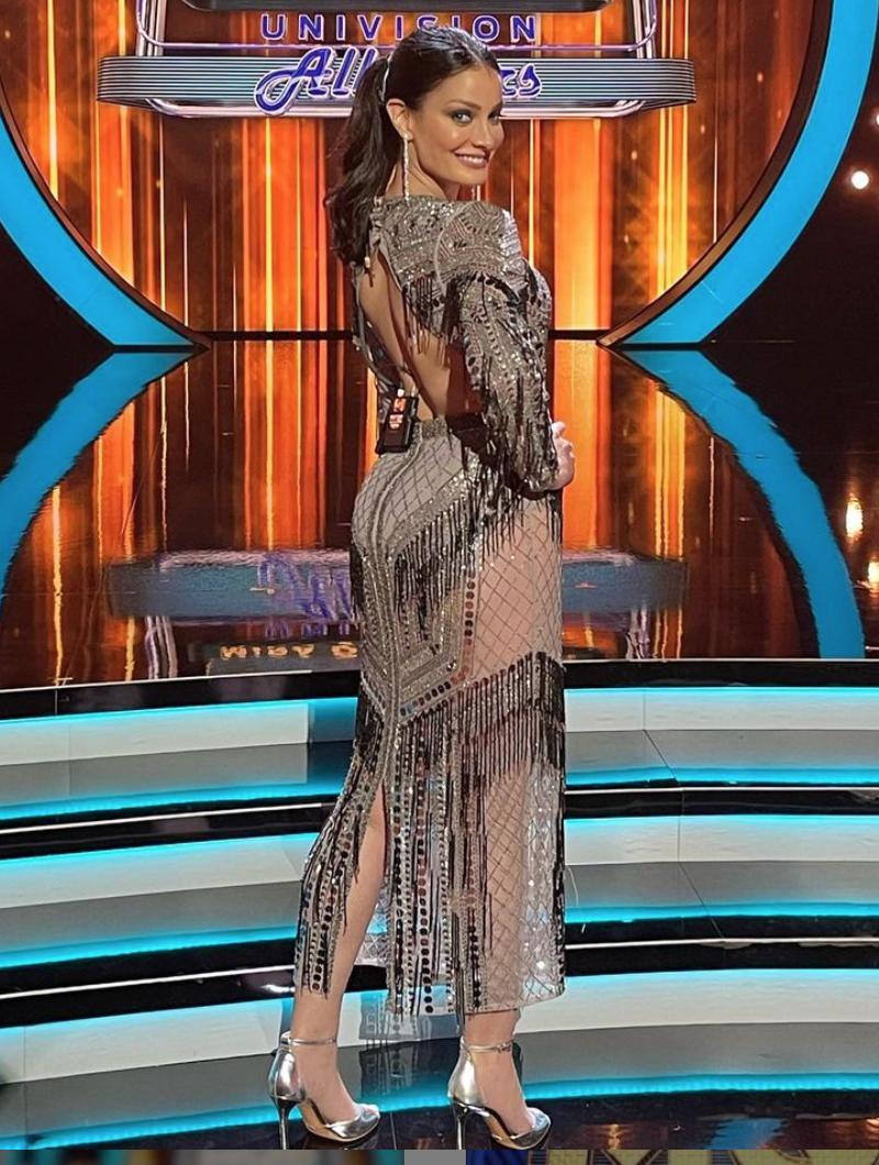 Dayanara Torres, vestido de brillo, mira quien baila, look del dia
