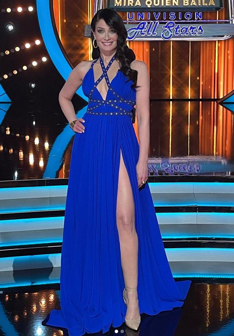 Dayanara Torres, look del dia, mira quien baila, vestido azul real